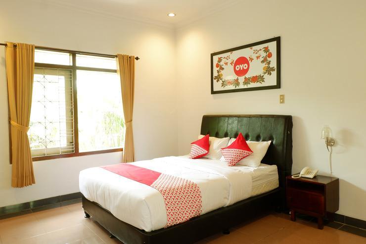 OYO 517 Hotel Arjuna Lawang Malang - Bedroom