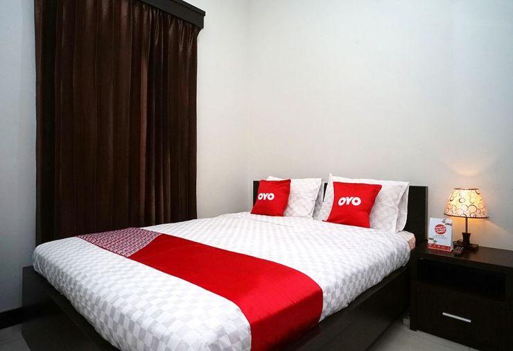 OYO 2038 Jasmine Guest House Balikpapan Balikpapan - Standard Double Bedroom