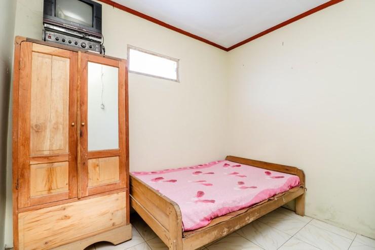 Kinasih Homestay Jogja - Bedroom