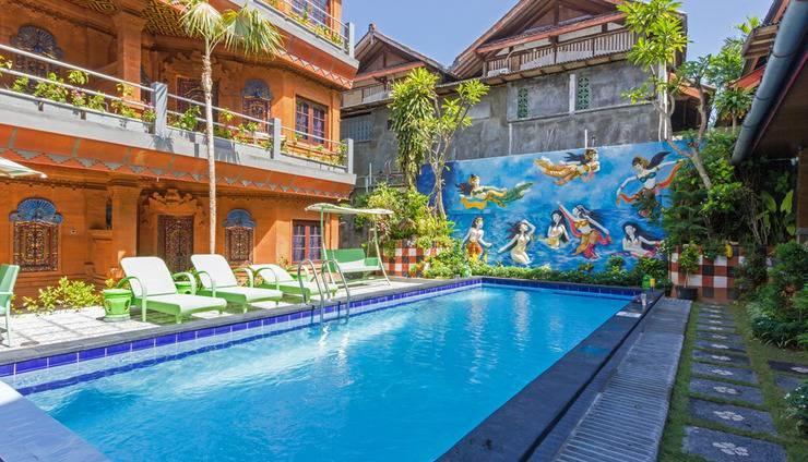 RedDoorz @Legian Tengah Bali - Kolam Renang