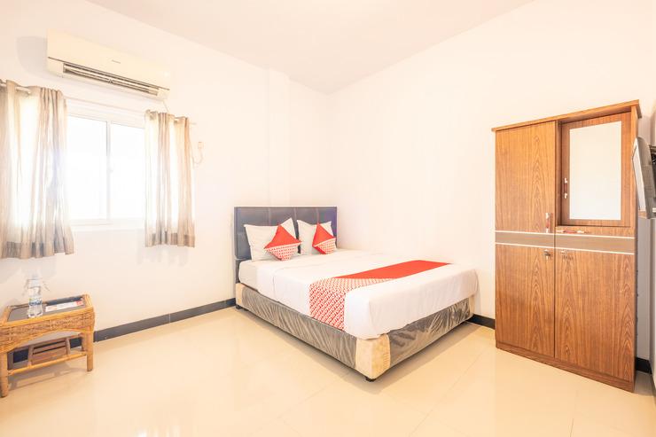 OYO 863 Tenacity Guest House Syariah Cirebon - Bedroom