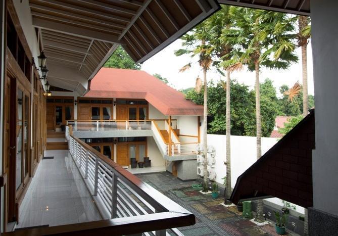 RedDoorz @Hegarmanah Bandung - Eksterior