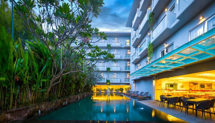 HARRIS Hotel Kuta Galleria Bali - KOLAM RENANG