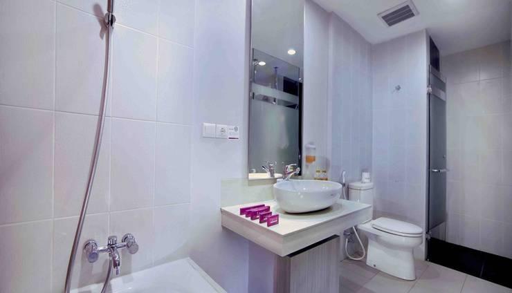 Favehotel Cimanuk Garut - Suite Bathroom