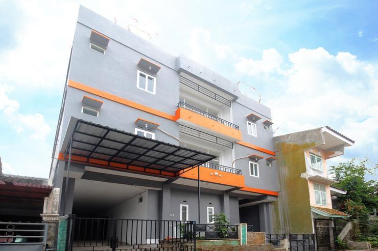Airy Eco Syariah Puncak Buring Indah E3 2 Malang Malang - Building