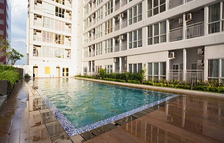 RedDoorz Apartment @Taman Melati Margonda Jakarta - Kolam Renang