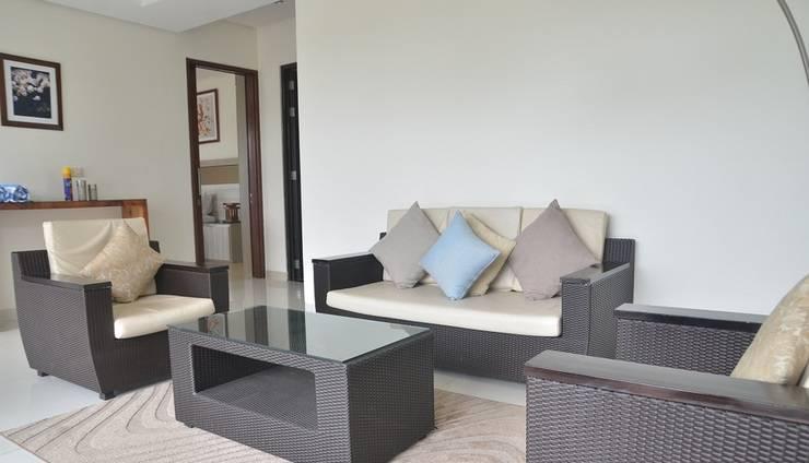 4 BR Pool Villa Dago Mountain View Bandung - Livingroom