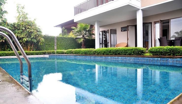 4 BR Pool Villa Dago Mountain View Bandung - Kolam Renang