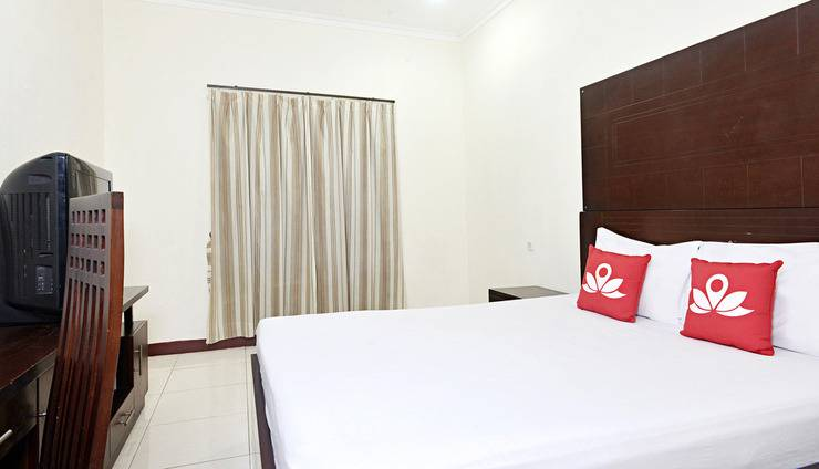 ZenRooms Kuningan Tiong Jakarta - Kamar Tidur Double