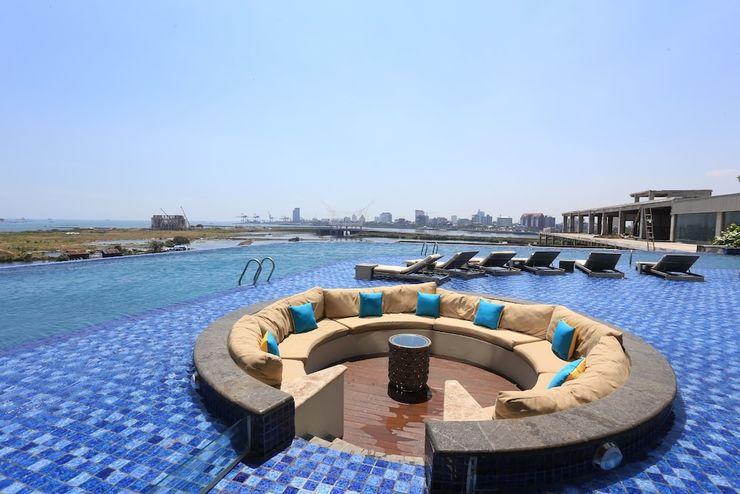 The Rinra Makassar - Infinity Pool