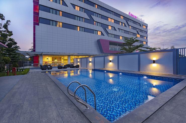 favehotel Subang - Kolam Renang