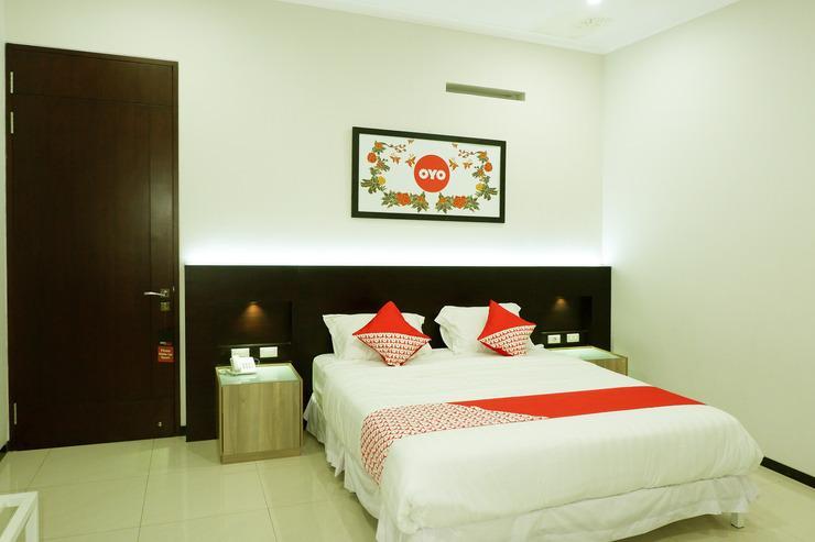 OYO 493 Permata Jingga AA 19 Boutique Syariah Malang - Bedroom