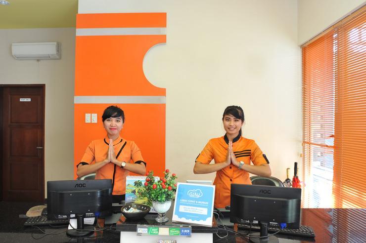 Airy Mataram Cakranegara Repatmaja 2 Lombok - Receoptionist