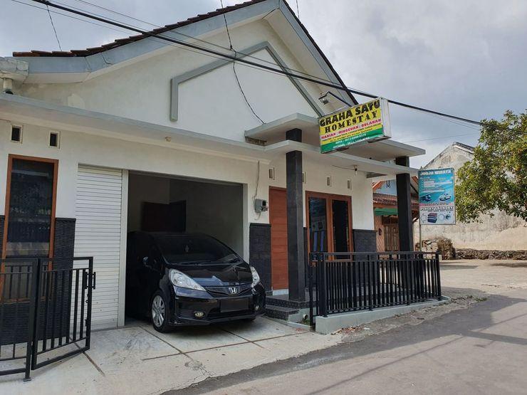Graha Satu Homestay Yogyakarta - Exterior