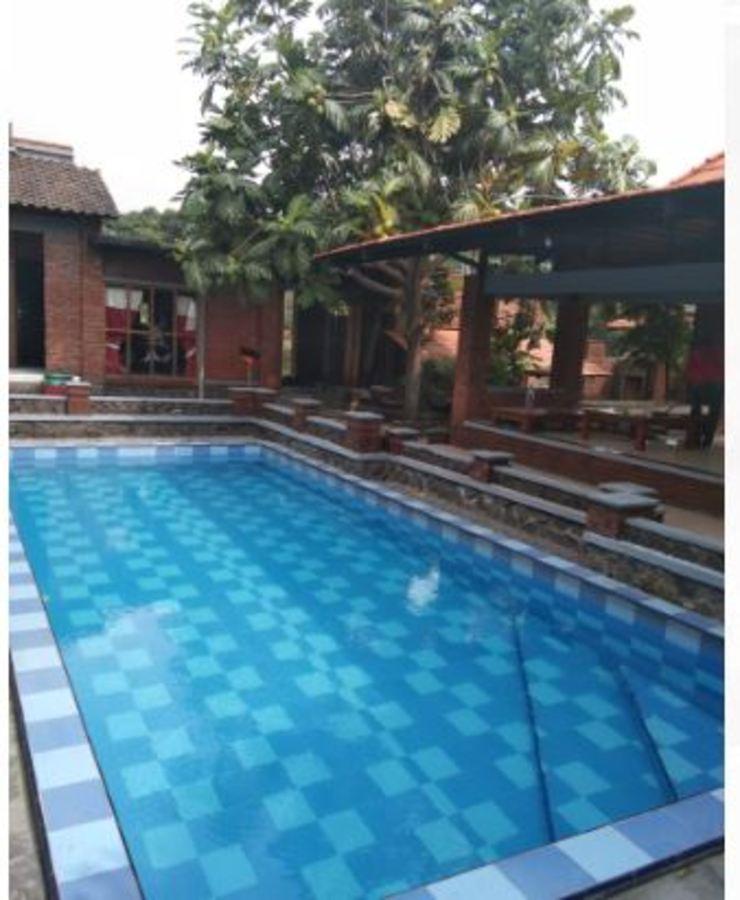 Villa Mediana Mojokerto - Swimming pool