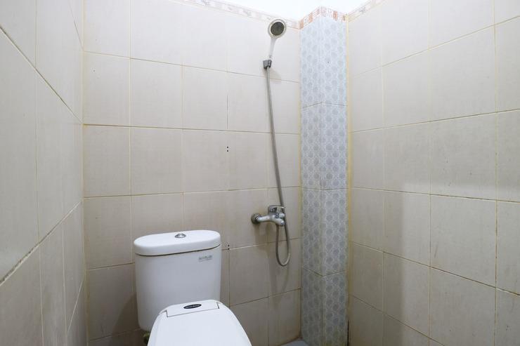 Kartika Homestay Syariah (not active) Surabaya - Bathroom