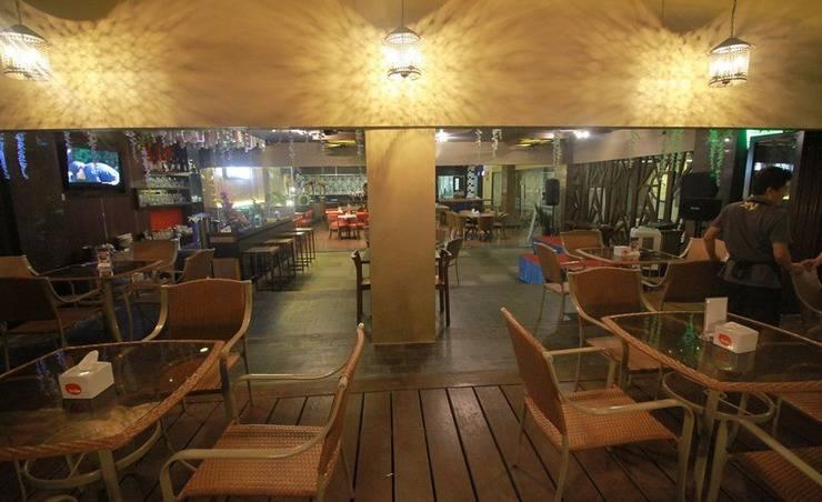 Zia Boutique Hotel Batam - Hangry Pool Restaurant2
