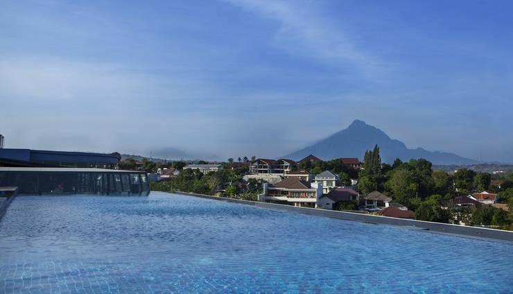 Grand Edge Hotel Semarang - Sky Pool
