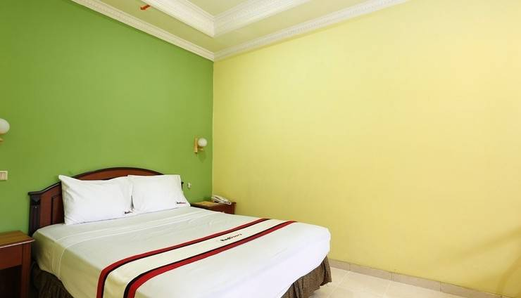 RedDoorz near Ambarukmo Plaza 3 Gerongan - Guest room