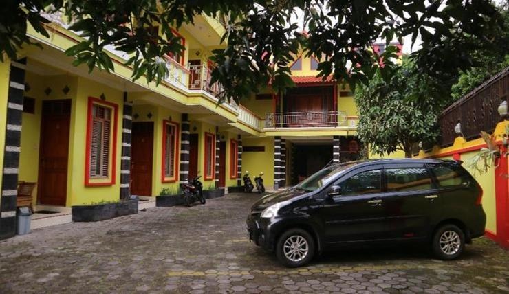 Hotel Kartika Bandungan Semarang - Exterior