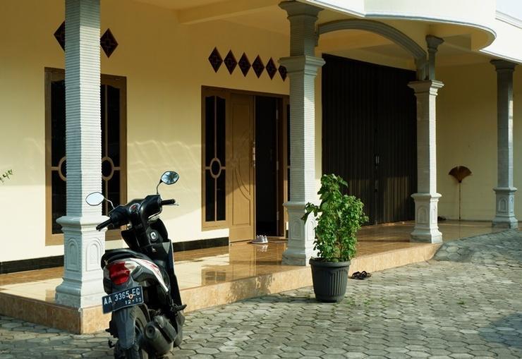 Maundri Homestay Magelang - Exterior