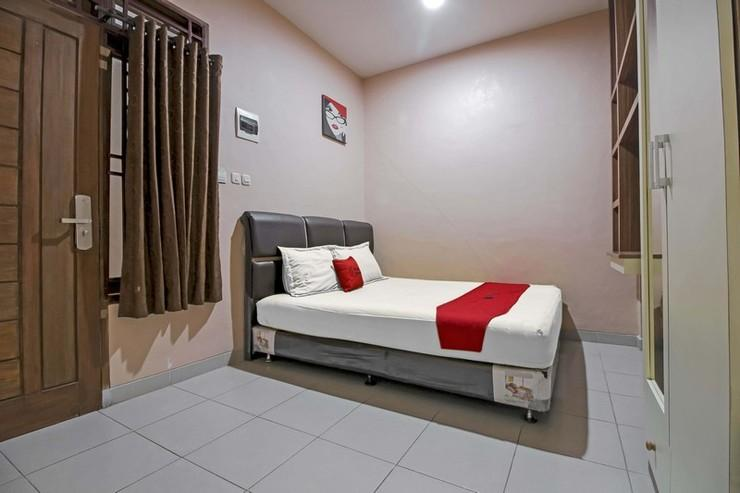 RedDoorz @ Jalan Darussalam Medan Medan - Bedroom