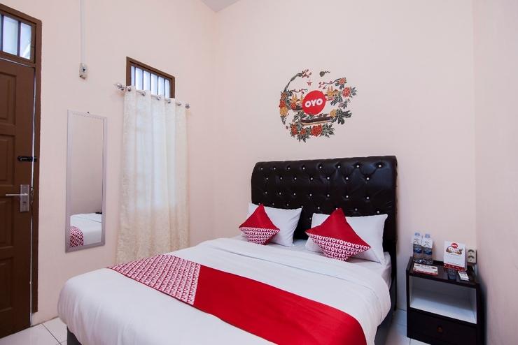 OYO 885 Tangkul Residence Medan - Standard Double