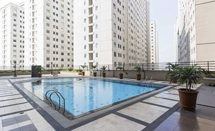RedDoorz Apartment @ Pegangsaan Kelapa Gading - Kolam Renang