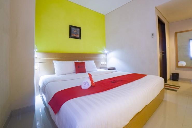 RedDoorz @ Budget Hotel Ambon Ambon - Photo