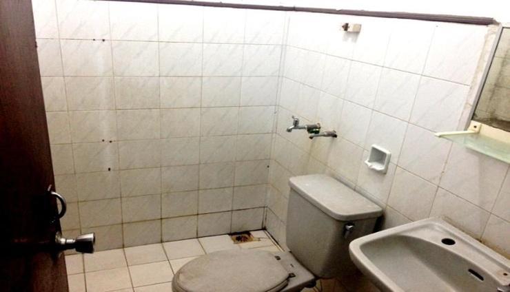 Hotel Legen 2 Baturaden - Bathroom