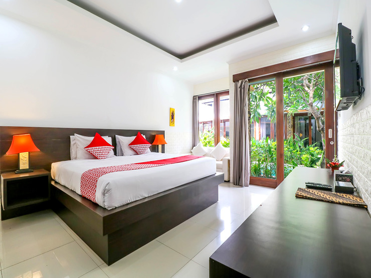 OYO 2316 The Light Bali Villas Bali - Deluxe Double Bedroom