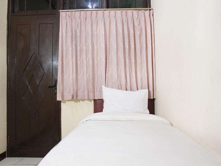 Wisma Bintang Jakarta - BEDROOM
