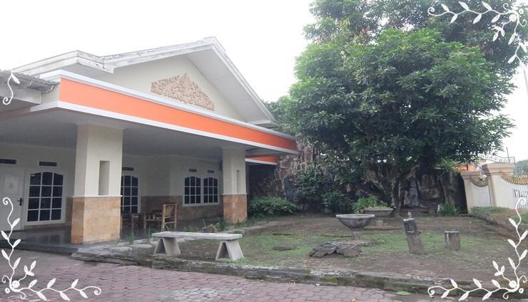 Athaya Homestay Manggung Yogyakarta - Facade
