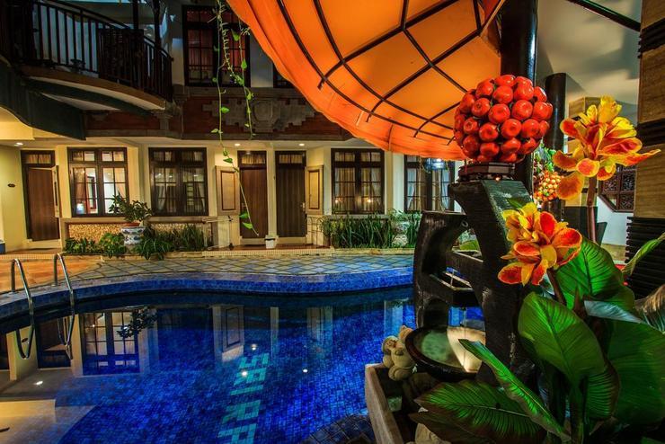 Sri Ratu Hotel Legian Bali - Pool