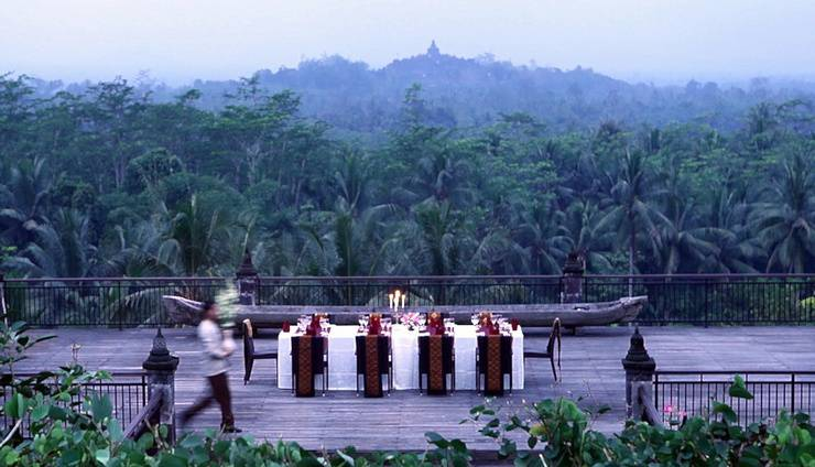 Plataran Borobudur Magelang - Table at Lobby Deck