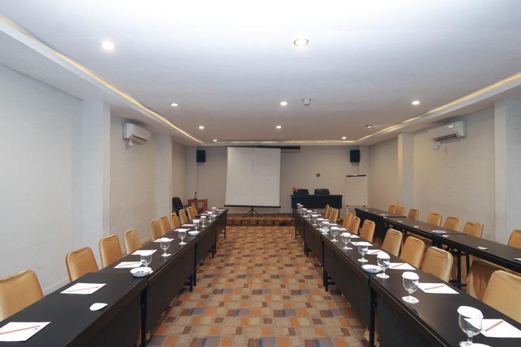 Airy Syariah Tebet Barat Soepomo Jakarta Jakarta - Meeting Room