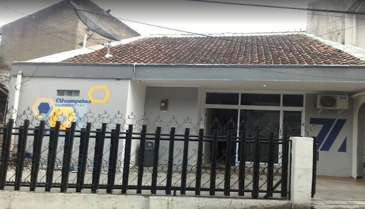 3 Bedrooms House Cihampelas Homestay Bandung - Exterior
