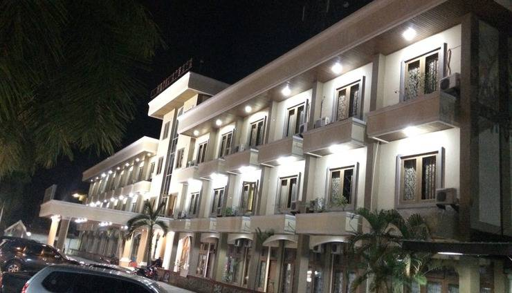 Athaya Hotel & Restaurant Kendari - Exterior