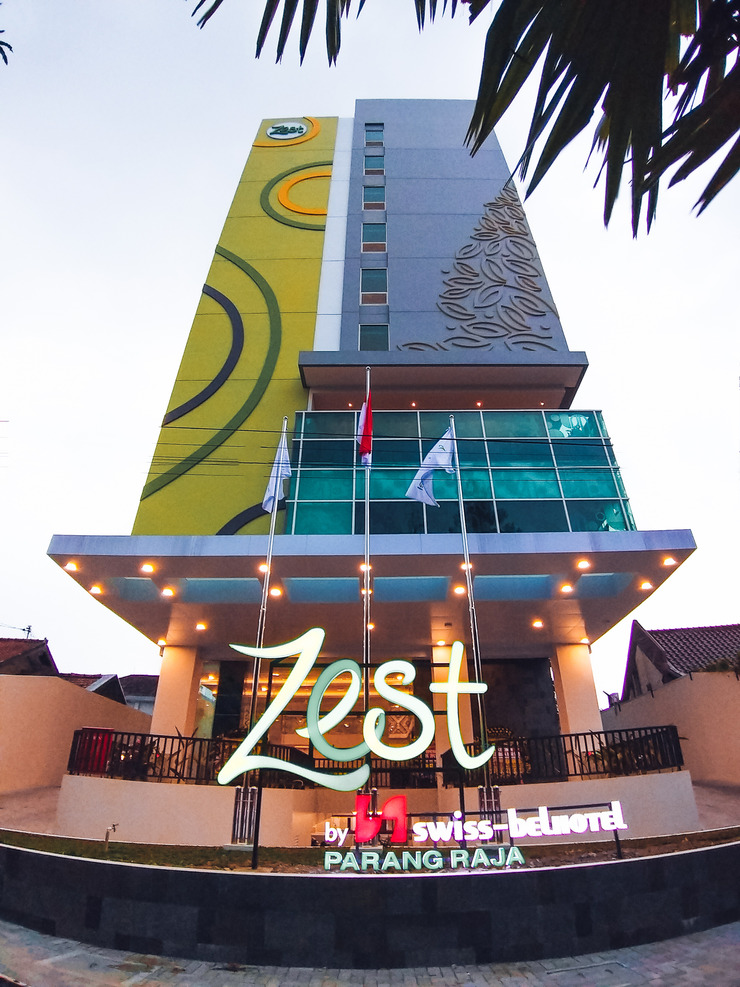 Zest Hotel Parang Raja Solo Solo - Tampak Depan Hotel
