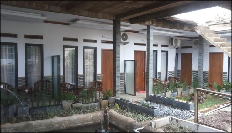 RF Hotel Puncak - exterior
