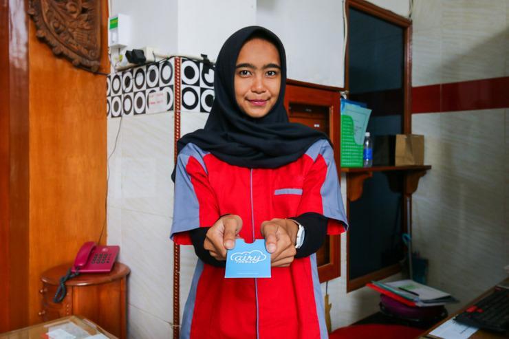 Airy Sawojajar Danau Bratan H5 A1 Malang - Receptionist
