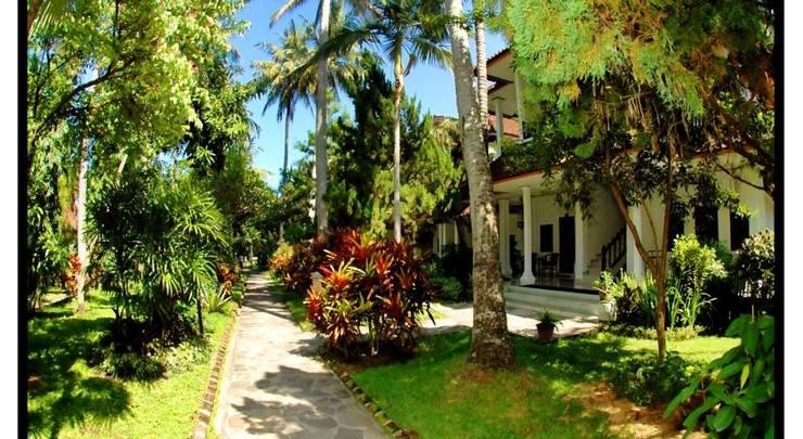 Puri Saron Senggigi Beach Resort Lombok -  Taman