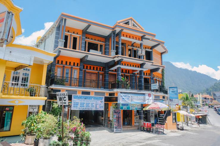 OYO 1351 Tanggulasi Resto & Residence Syariah Magetan - Facade