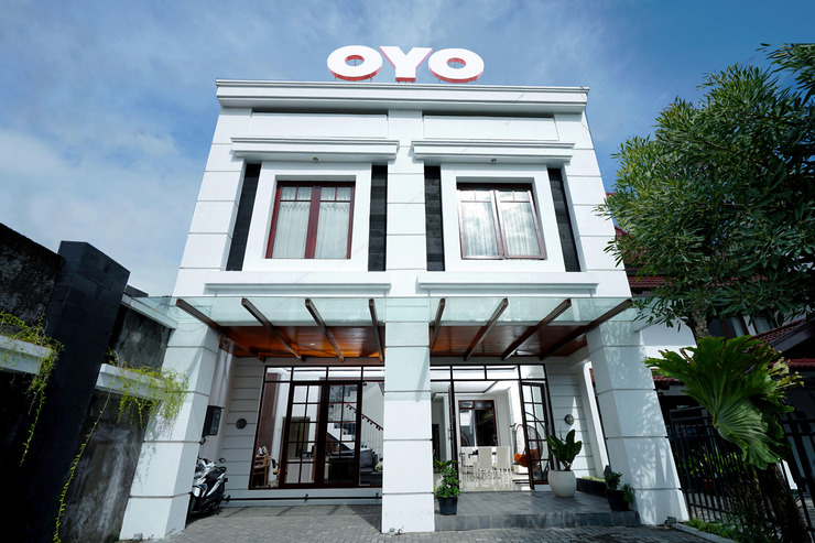 OYO 690 The 1061 Hom Syariah Yogyakarta - Facade