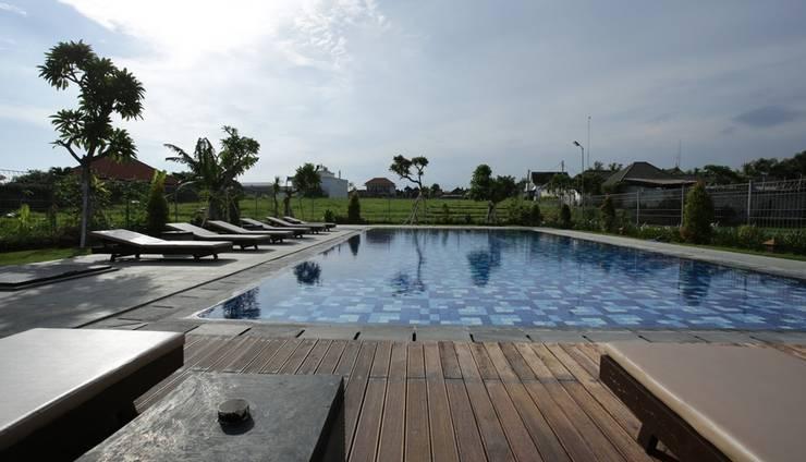 RedDoorz @ Nelayan Canggu Bali - Kolam Renang