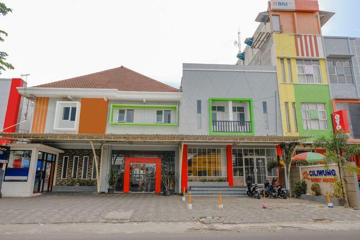 OYO 1362 Ciliwung Family Residence Malang - Facade