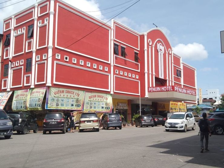 Penuin Hotel Batam - Facade