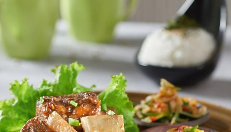 Golden Tulip Holland Resort Batu Malang - Food