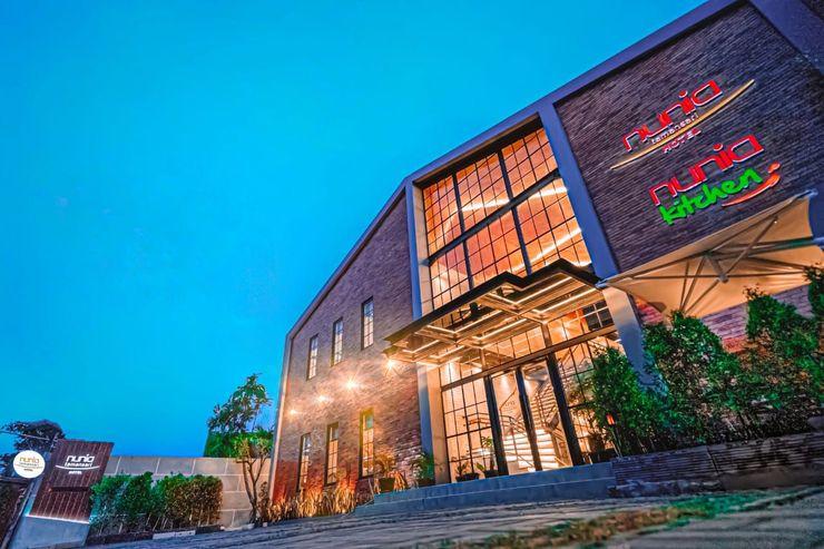 Nunia Tamansari Hotel Serang - Facade