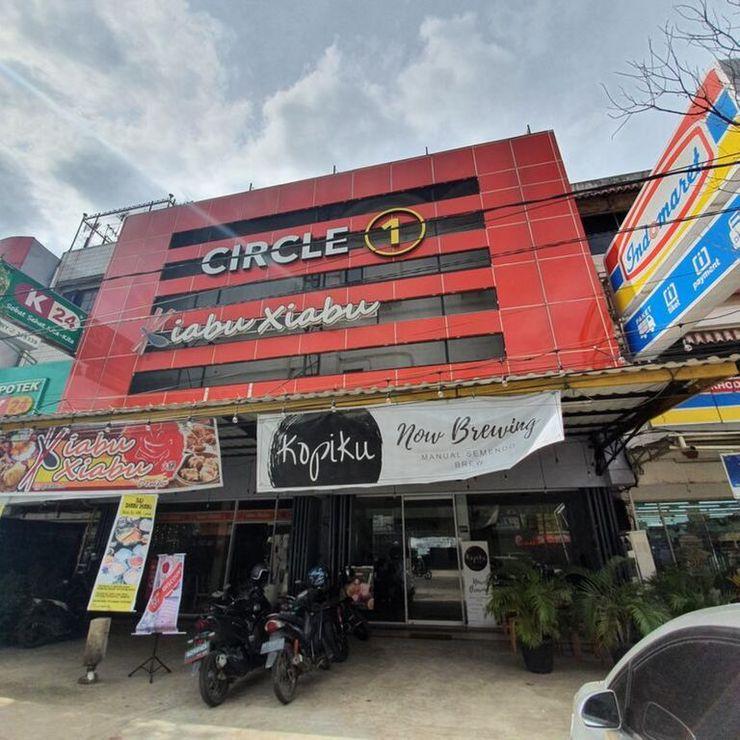 Circle One Palembang - Facade